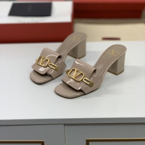2020 Cheap Valentino Rockstud Sandals For Women # 223509