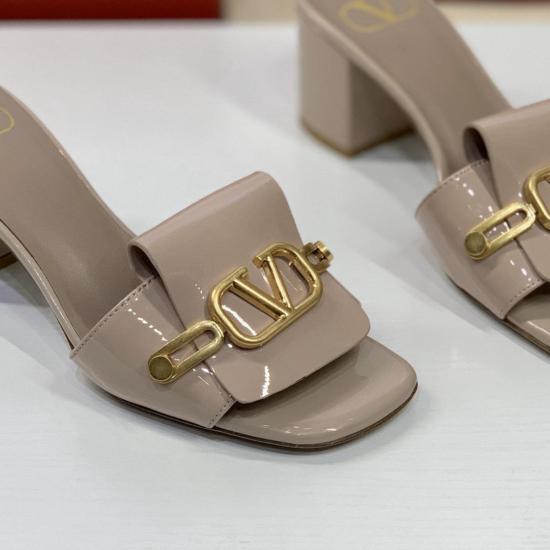 2020 Cheap Valentino Rockstud Sandals For Women # 223509, cheap Valentino Sandals, only $112!