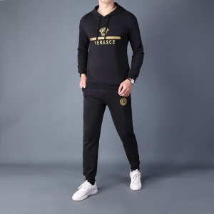 $82.00,2020 Versace Tracksuits For Men For Men in 229237