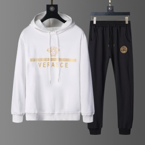 $82.00,2020 Versace Tracksuits For Men For Men in 229239